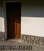 gnejs szaro-brązowy płaski